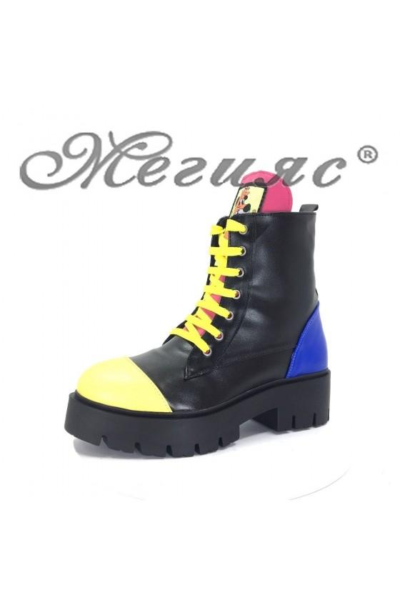 001 Дамски боти черни с жълто от еко кожа