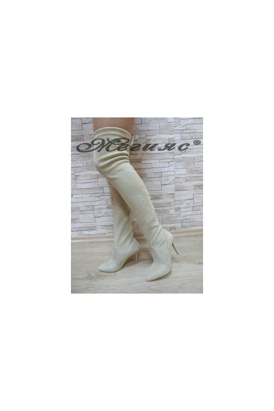 1006 Дамски ботуши бежови тип чизми от велур