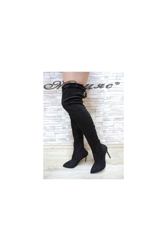 1006 Дамски ботуши черни тип чизми от велур