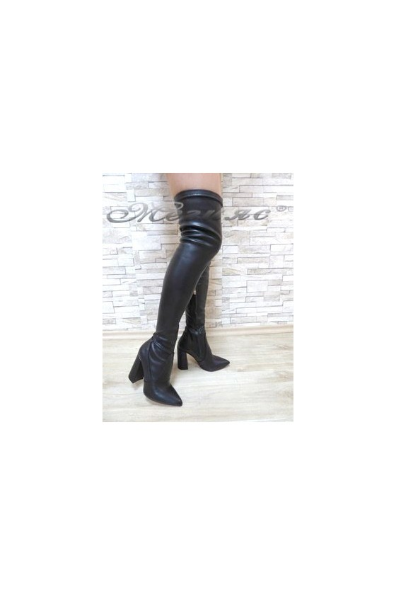 3322 Дамски ботуши черни тип чизми от еко кожа