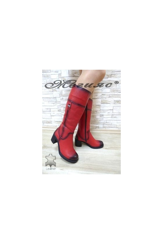105-18 Дамски ботуши червени от естествена кожа