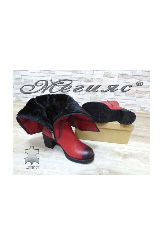 105-18 Women boots red leather