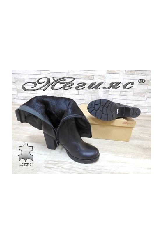 909-370  Дамски ботуши черни от естествена кожа