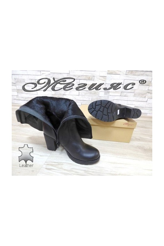 909-370  Lady boots black leather