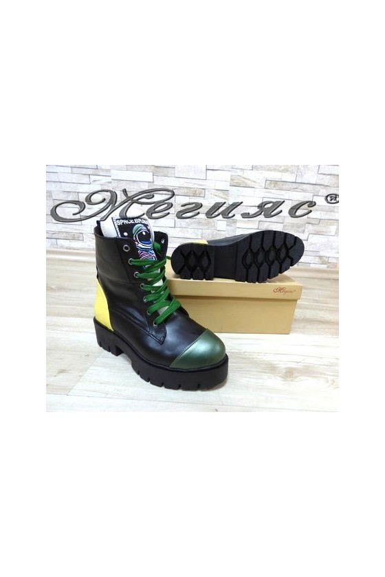 001 Lady boots black with green  pu