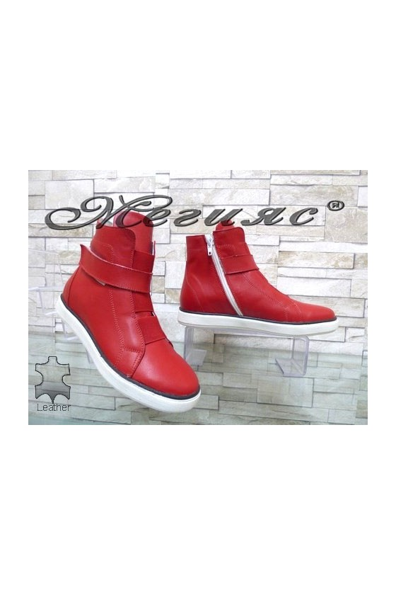 1426 Women sport boots red leather