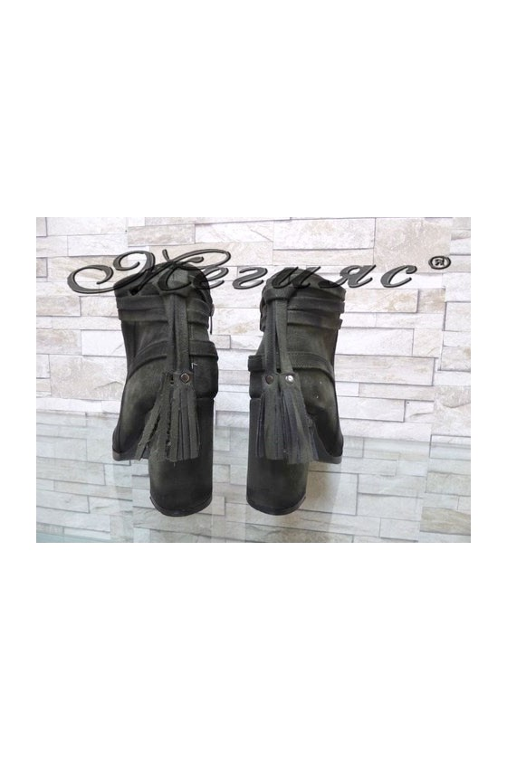 4461 Lady elegant boots green suede