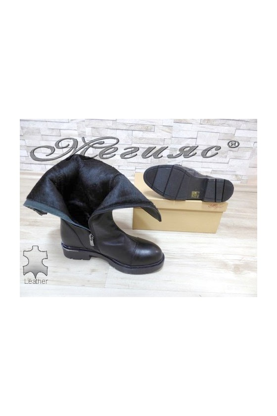 900 Women boots black leather