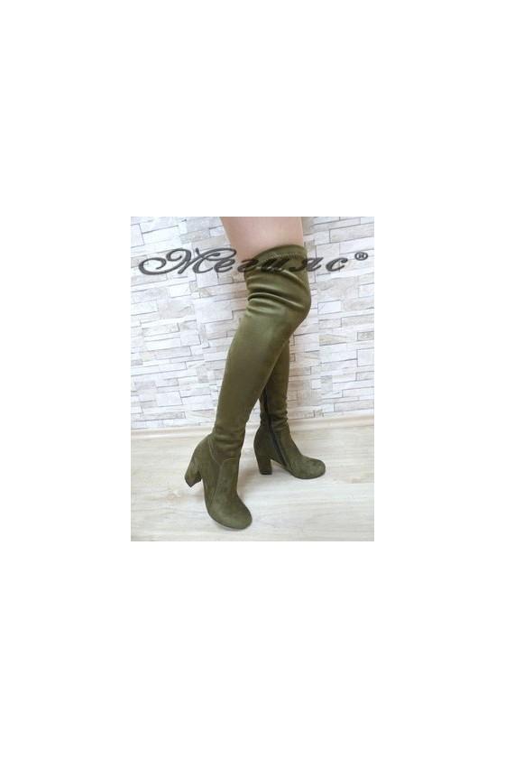 067 Дамски ботуши зелени тип чизми от велур
