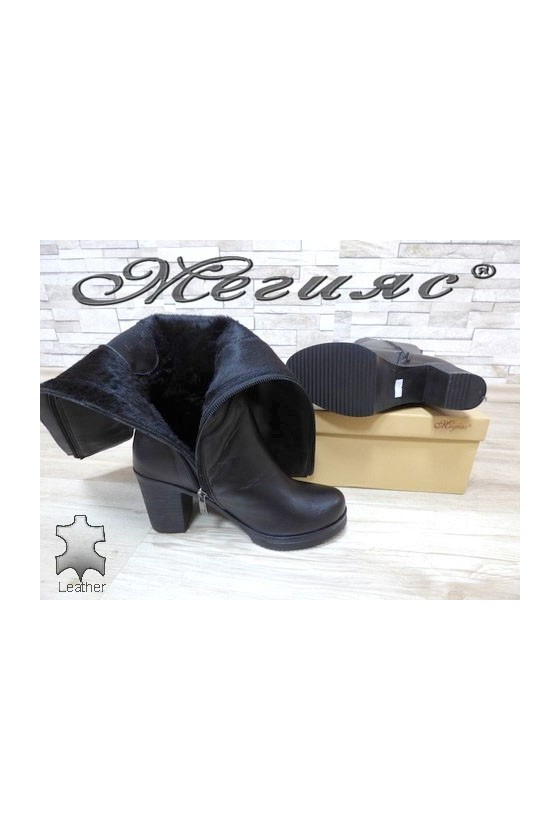 440 Women boots black leather