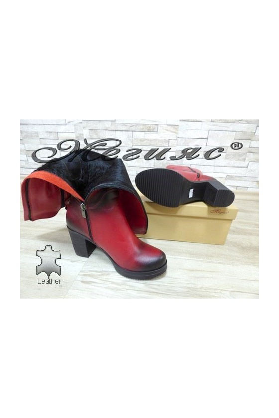 440 Women boots red leather