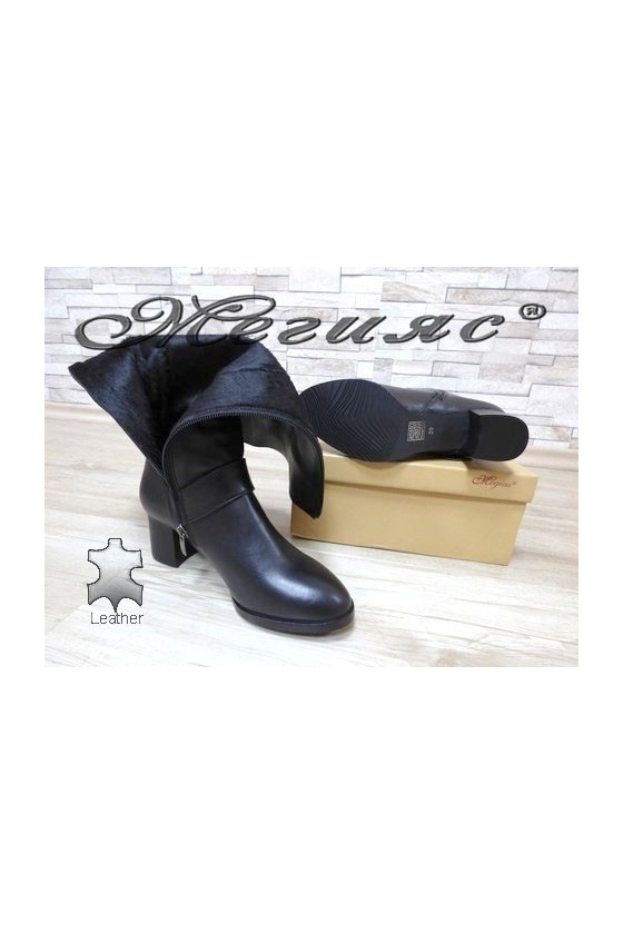 405-1 Women boots black leather