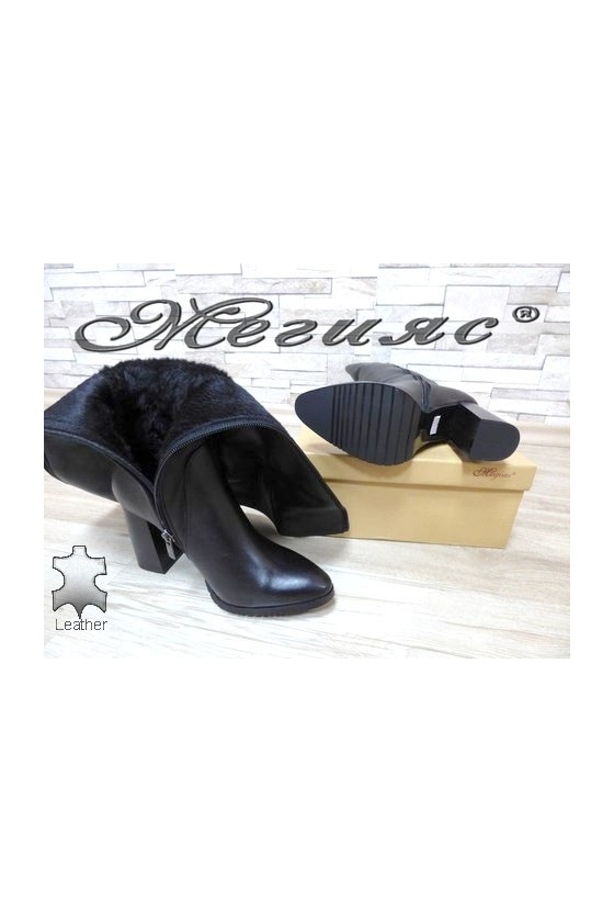885 Дамски елегантни ботуши черни от естествена кожа