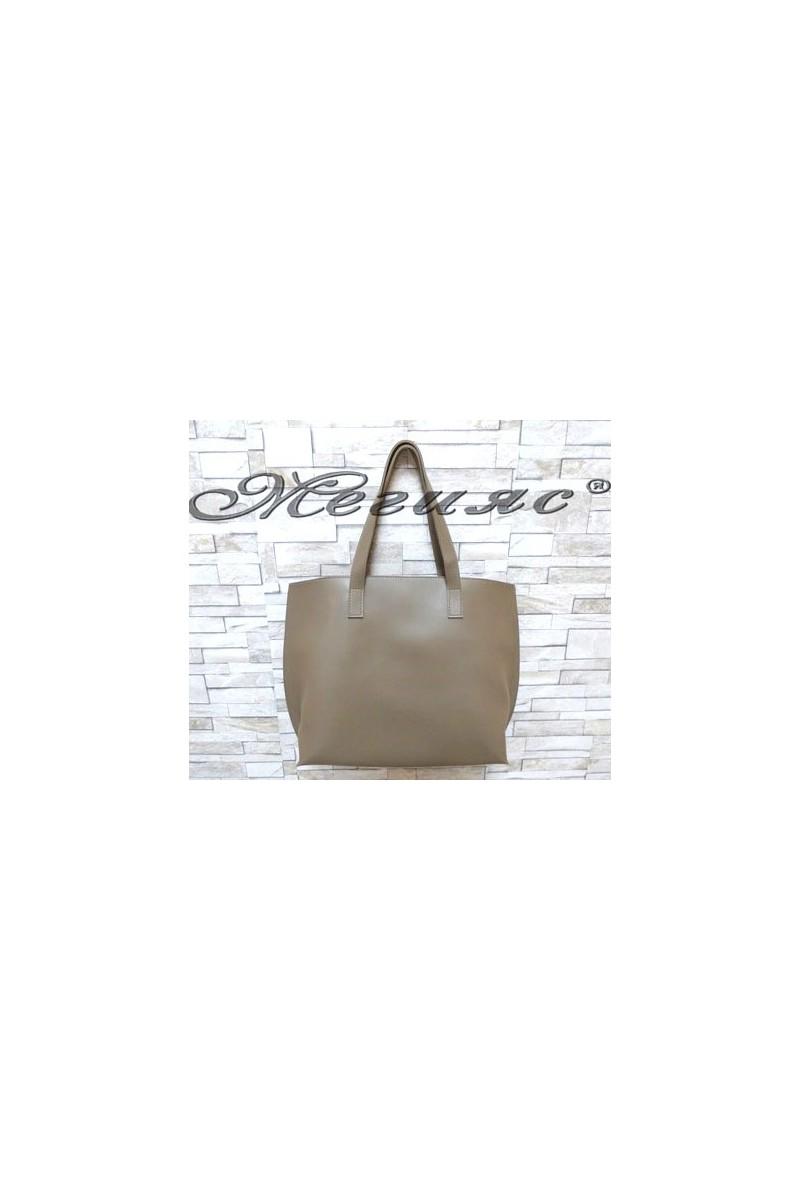 606 Дамска чанта тъмнобежова от еко кожа