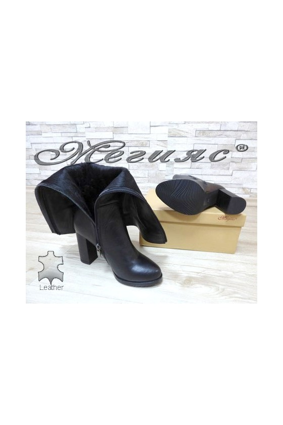 506 Дамски елегантни ботуши черни от естествена кожа
