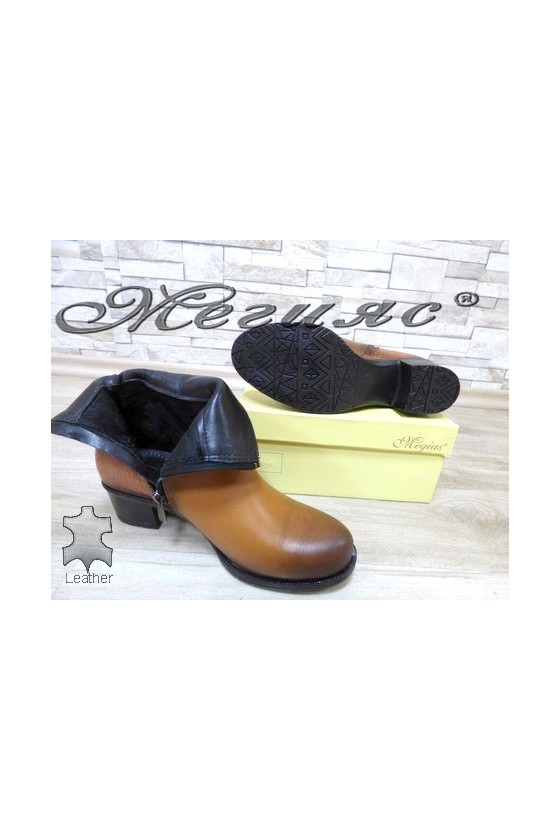 913 Lady boots brown leather