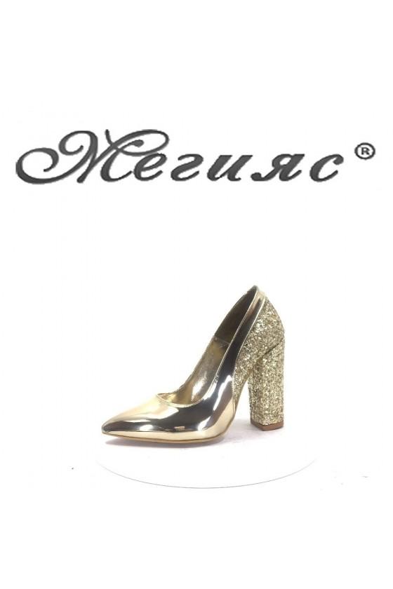 00543 Дамски обувки златни елегантни на висок ток