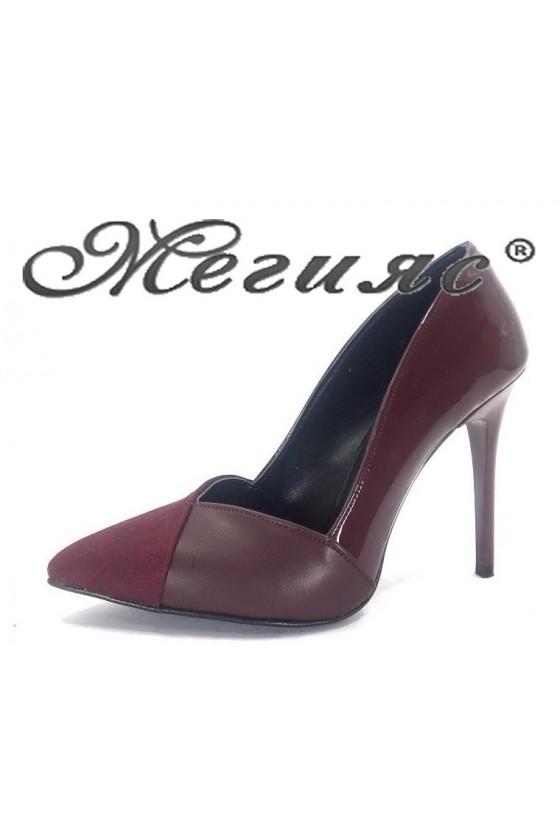 1821 Дамски обувки бордо лак с велур елегантни на ток