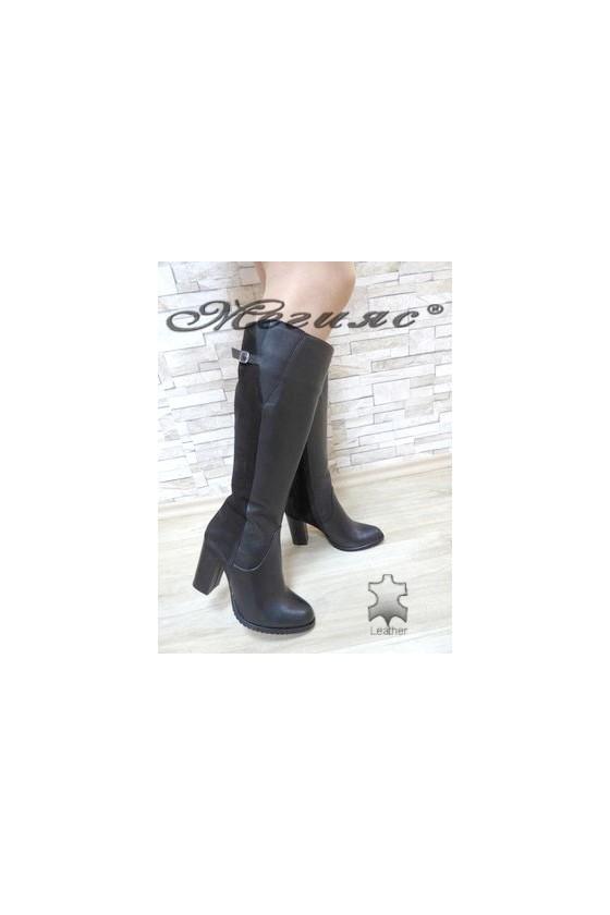 91-01 Дамски ботуши черни от естествена кожа с широк ток