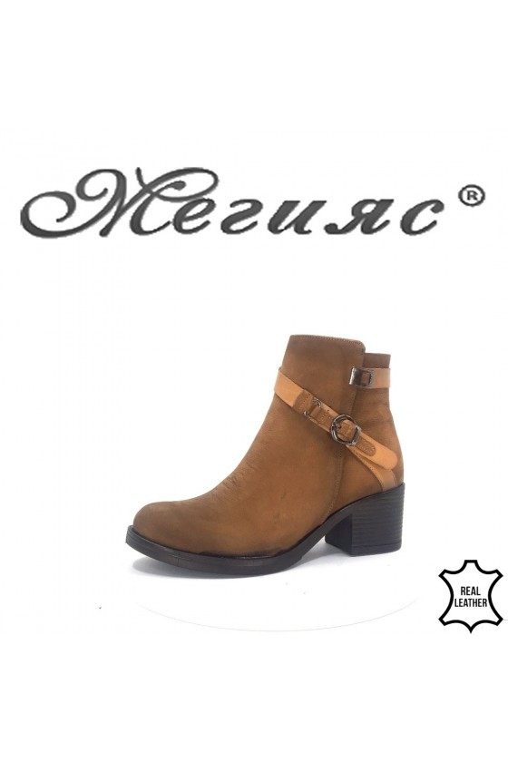 910-11Lady boots