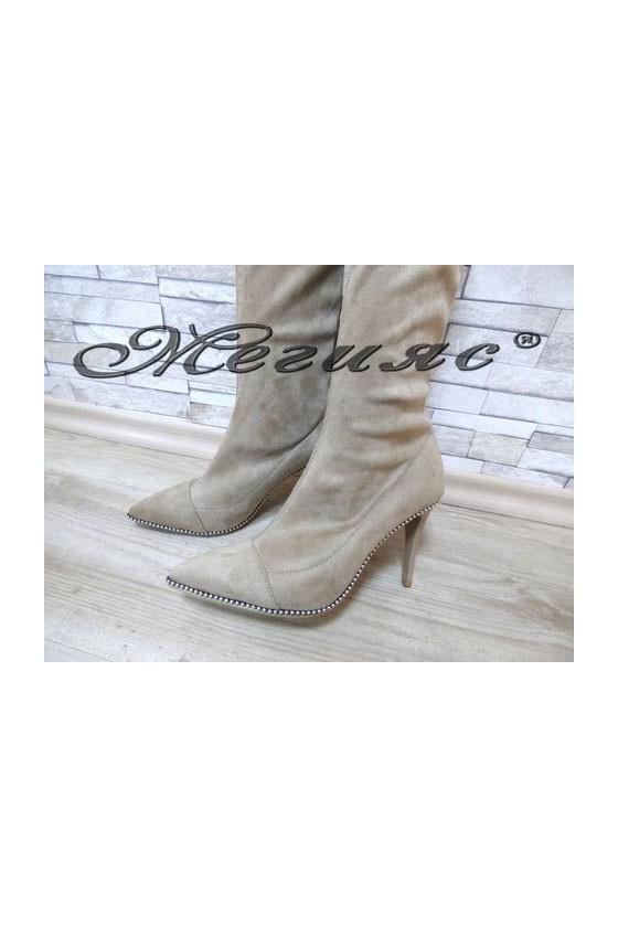 103 Lady elegant boots beige suede