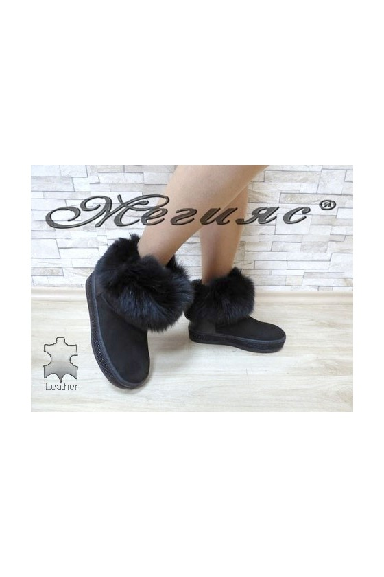 9042-11 Lady boots black suede