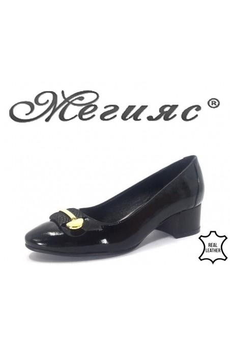 19-59 Дамски обувки черни от естествен лак