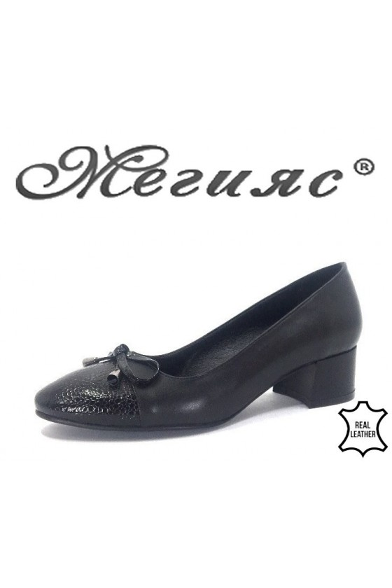 14-112 Дамски обувки черни от естественa кожа с лак