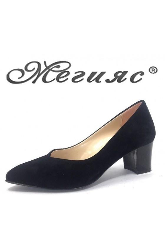 71 Дамски обувки черни от еко велур