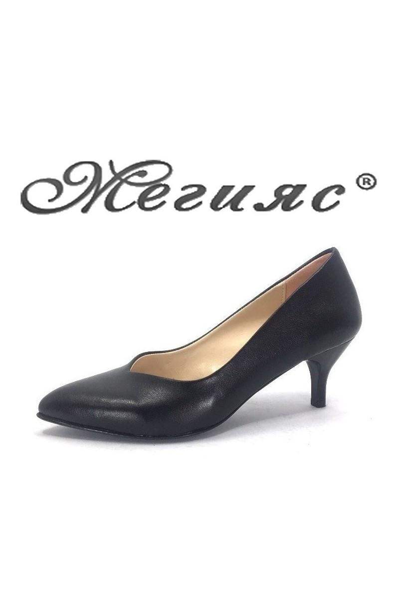 ob 70 Дамски обувки черни от еко koжа елегантни остри нисък ток