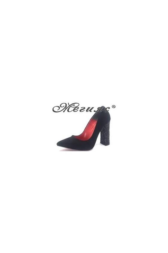 542 Дамски обувки черни елегантни на висок ток