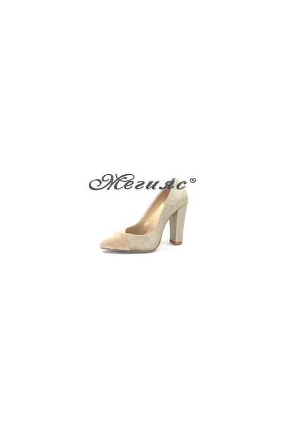 2027 Дамски обувки бежов велур със  злато елегантни на висок ток