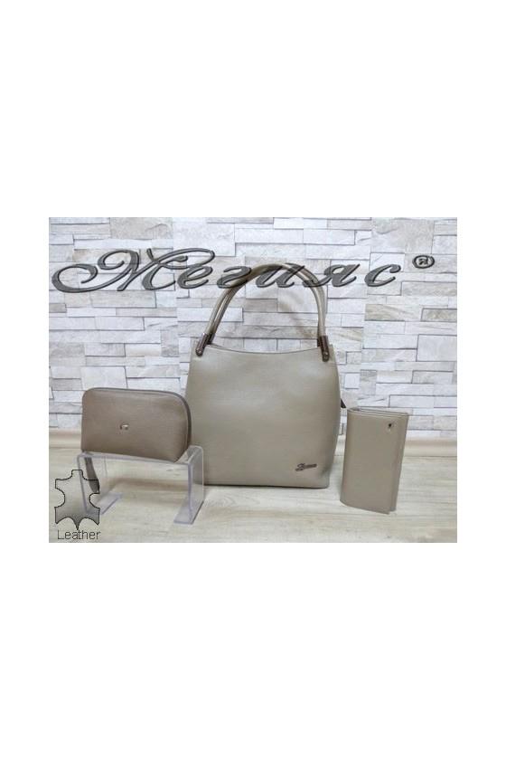 2945 Дамска чанта бежова от естествена кожа с портмоне 057 и несесер 064/065
