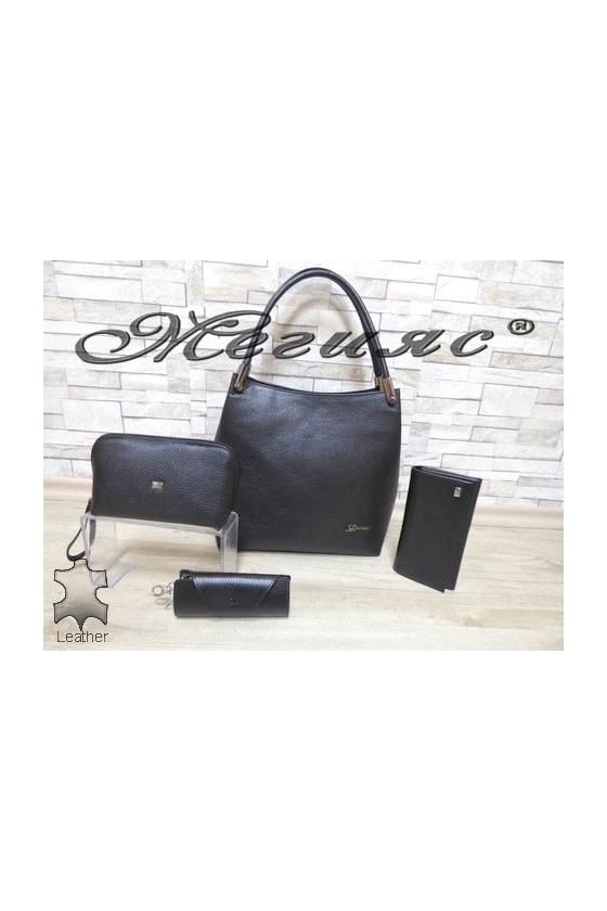 2945 Дамска чанта черна от естествена кожа с портмоне 057 и несесер 064/065 и ключодържател 039