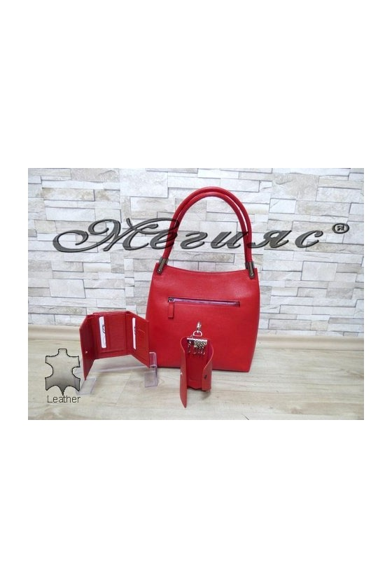 2945 Дамска чанта червена от естествена кожа с портмоне 305 и ключодържател 039