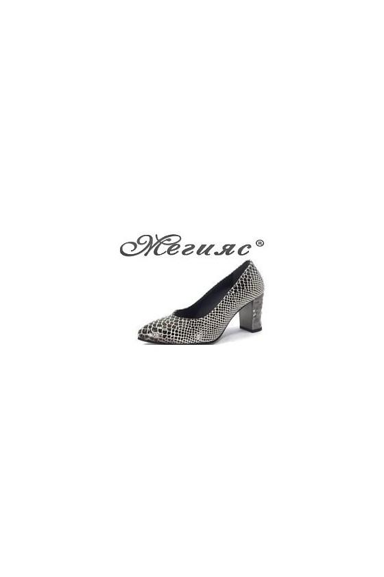 15-933  Дамски елегантни обувки черeно кроко  на  дебел ток