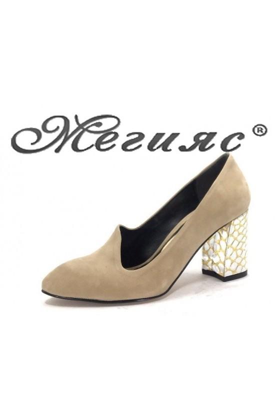 бе0517 Дамски елегантни обувки бежов  велур с сребърен ток