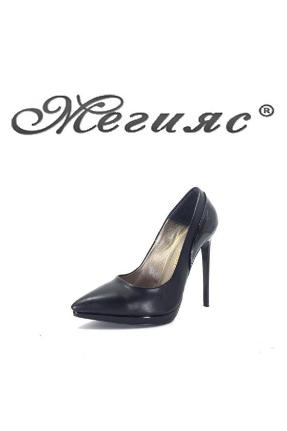 423-0 Дамски обувки черна кожа с лак елегантни на висок ток