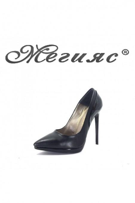 466 Дамски обувки черна кожа с лак елегантни на висок ток