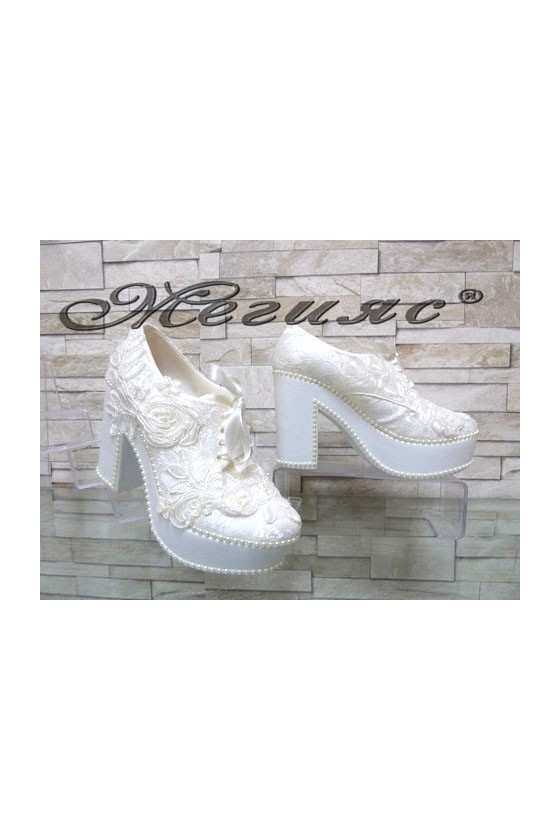 960-03 Lady elegant shoes white
