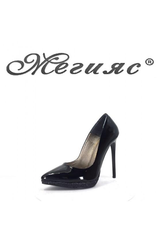 423-0 Дамски обувки черен лак с черен брокат на висок ток