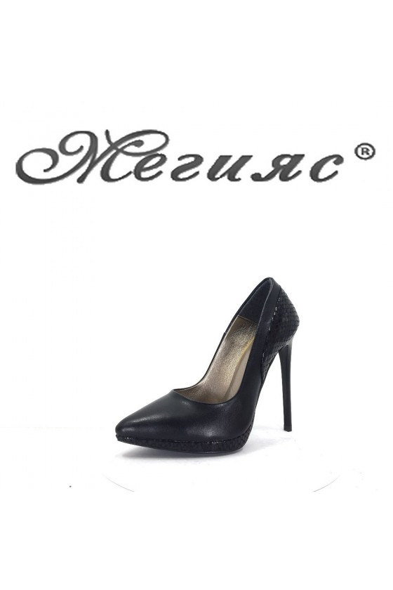 466 Дамски обувки черна кожа с лак със змийска шарка на висок ток