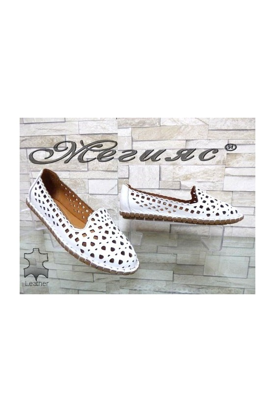 111-01 Lady shoes white leather