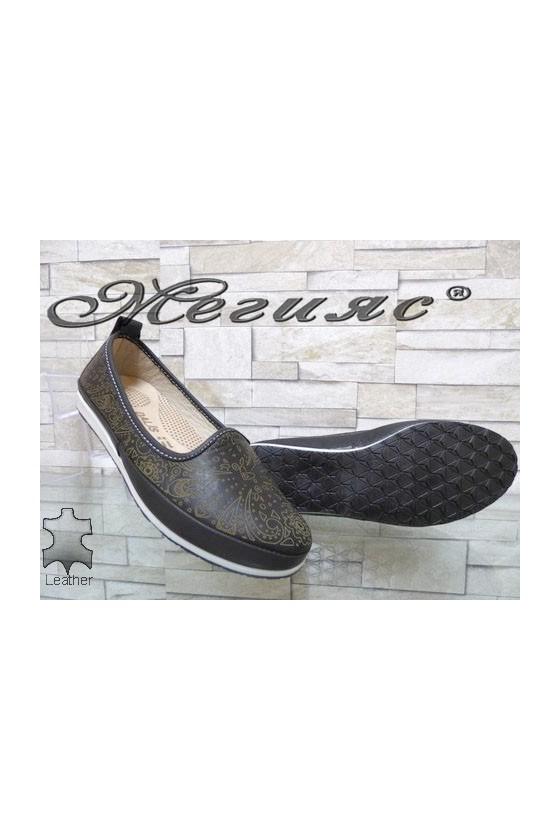 802 Women shoes black leather