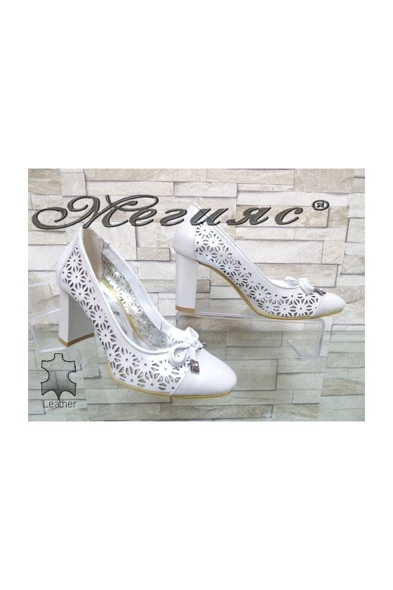 2013-140 Дамски елегантни обувки сребристи от естествена кожа на широк ток
