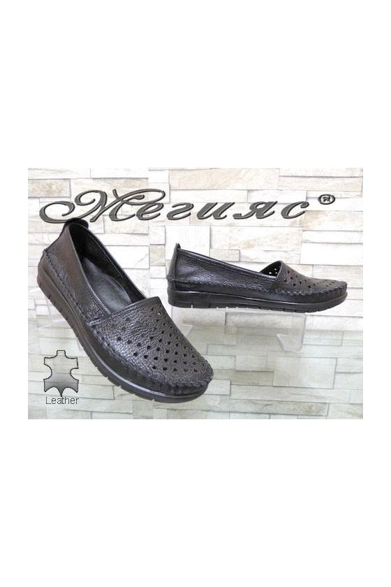 904 Дамски обувки тип мокасини черни с перфорация от естествена кожа