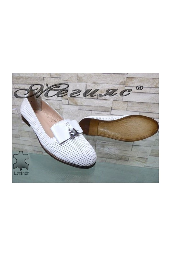 1017-16 Women shoes white leather