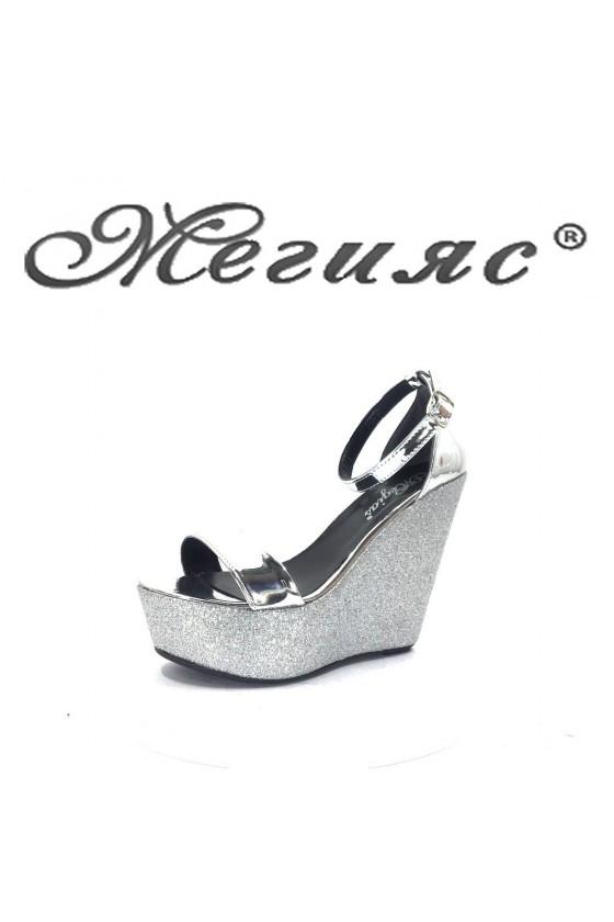 100 Дамски сандали сив брокат на платформа