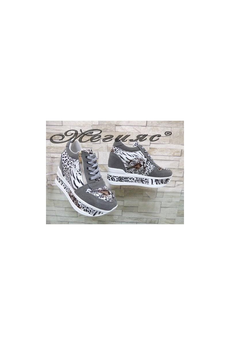 2289 Дамски спортни обувки на платформа