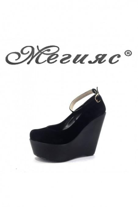 102 Lady platform shoes black
